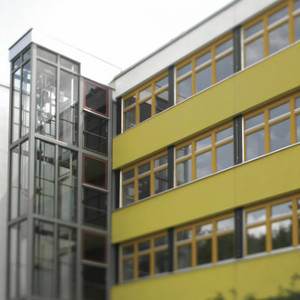 IMG-2012-Referenz_Emmy-Noether-Schule_04_300x300